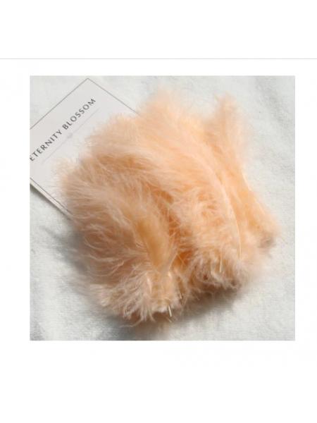 Перья декоративные,цв-персиковый(05).размер 10-13см,цена за 30 шт