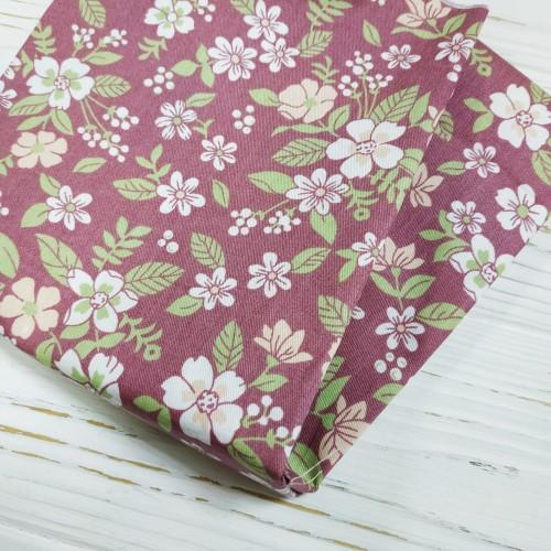 Отрез(сатин),размер 50*50.цветы на бордовом,цена за отрез