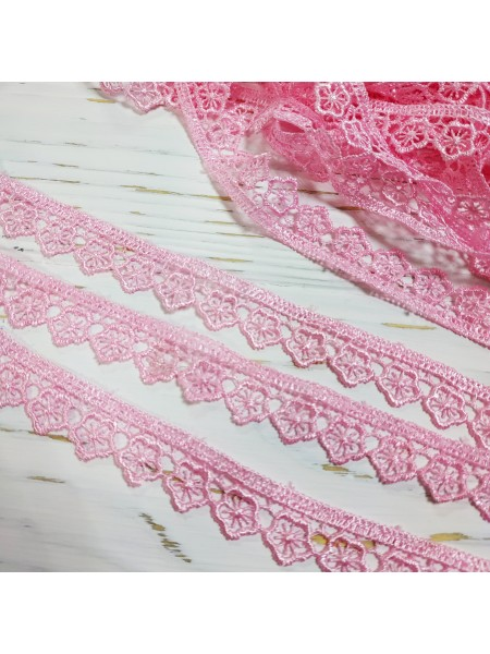 Гипюровое кружево ,цв-розовый,шир 1,5см.Цена за 1м