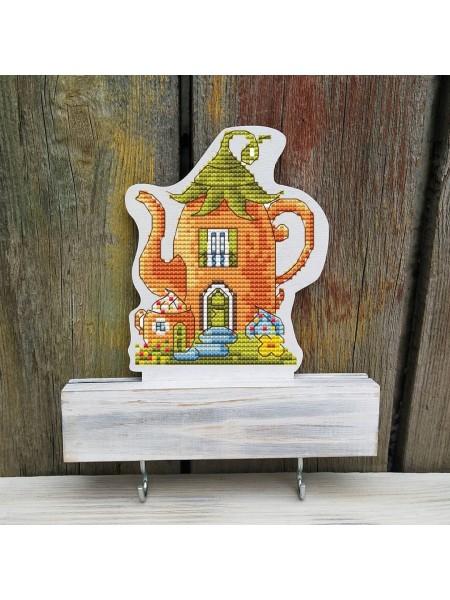 Вышивка по дереву Ключница-домик чайник(светлая)
