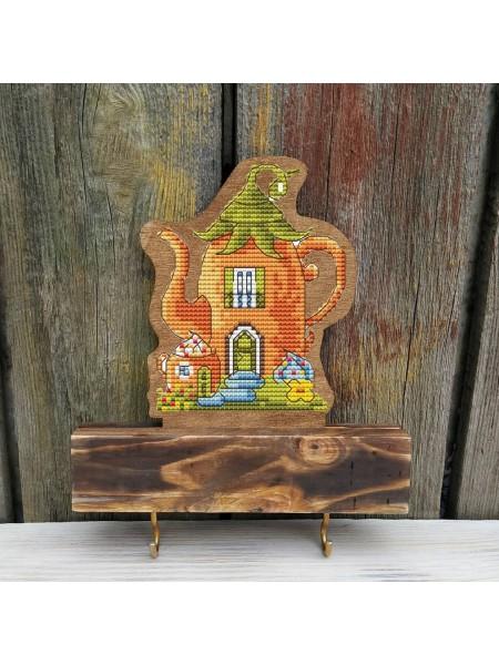 Вышивка по дереву Ключница-домик чайник(тёмная)