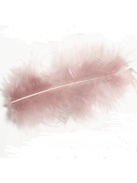 Перья декоративные,цв-пенка(058).размер 6-10 см,цена за 30 шт