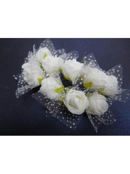 Букетик роз  с фатином,цв-белый