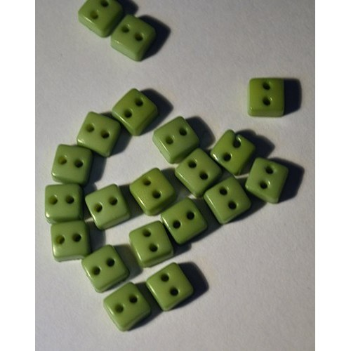 Пуговицы мини-квадрат-6мм,цвет зелёный. Цена за 1 шт