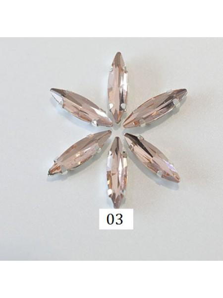 Пришивные стразы в серебрянных цапах ,стекло № 03,лодочка,4*15мм.цена за 1 шт