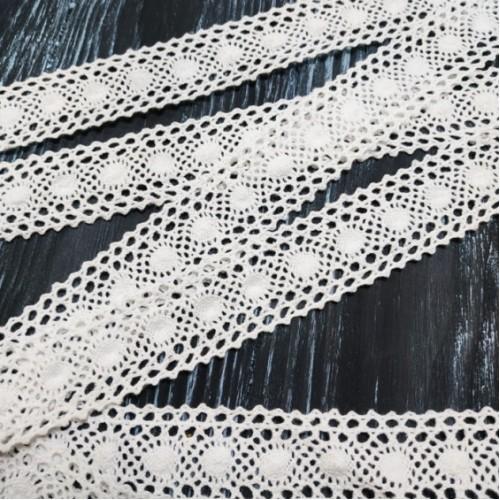 Кружево вязанное ,цв-белый,30мм,цена за 1 метр