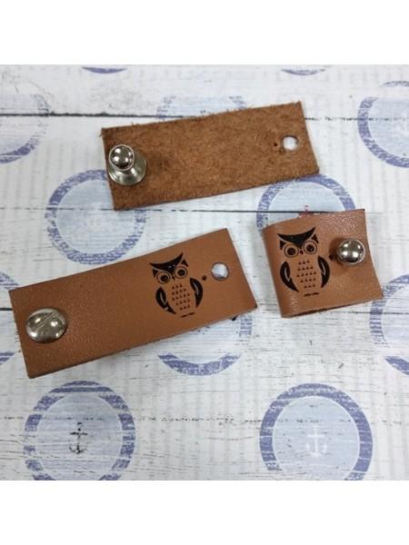 Бирочка из натур.кожи с кнопкой- Сова.цв-коричневый,20*25мм