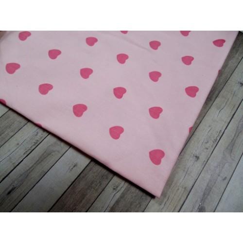 Отрез(сатин),размер 50*50сердечки на розовом,.цена за отрез
