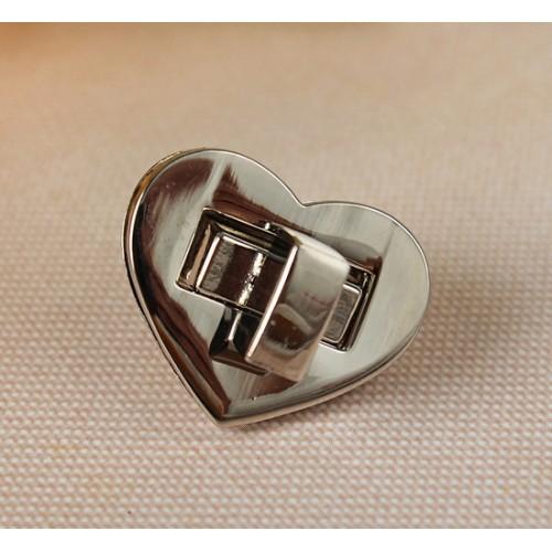Замок поворотный -2,5*2,5см- сердце,цв-серебро