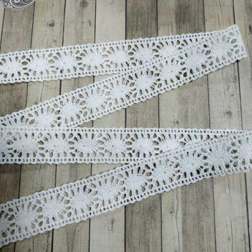 Кружево вязанное ажурное,цв-белый,22мм,цена за 1 метр
