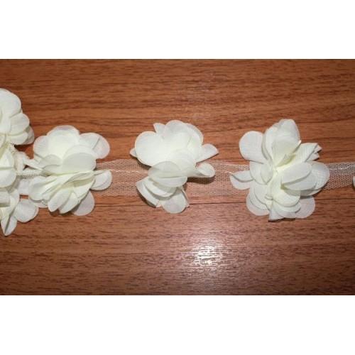 Шифоновые цветы на ленте кремовые ,цена за 1 м