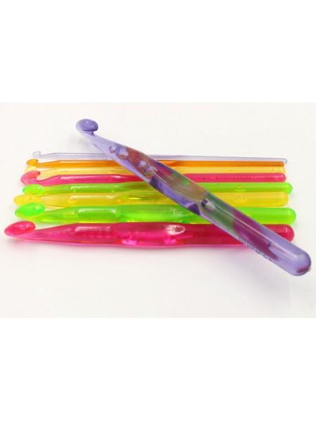 Крючок для вязания,7мм, пластиковый.цв-оранжевый