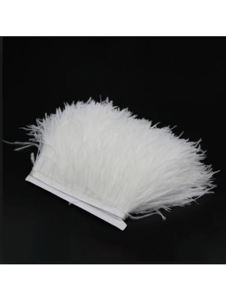 Тесьма из перьев ,цвет белый, цена за 10 см