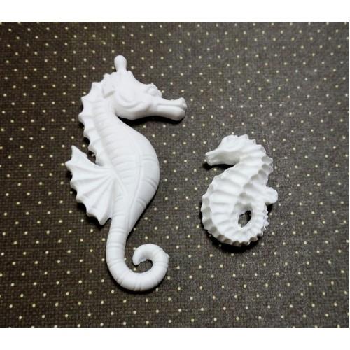 Фигурка из полимерной глины-Набор-Морской конёк ,белый